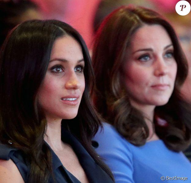 Meghan Markle et Catherine Kate Middleton (enceinte), duchesse de Cambridge lors du premier forum annuel de la Fondation Royale à Londres.