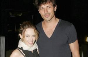 Pendant que Kylie Minogue se prend pour Lady GaGa... Son chéri ouvre son coeur !