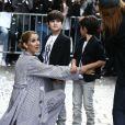 Eddy et Nelson Angelil - Celine Dion quitte l'hôtel Royal Monceau avec ses enfants et prend un jet privé au Bourget en 2017