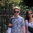 Exclusif  - Au lendemain de leur arrivée, Macaulay Culkin et sa compagne Brenda Song profitent d'une belle journée ensoleillée pour se promener dans les rues de Paris avec un ami. Le 11 août 2018