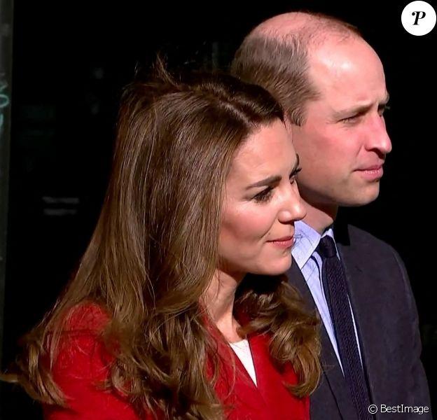 """Le prince William, duc de Cambridge, et Catherine (Kate) Middleton, duchesse de Cambridge, visitent l'hôpital St. Bartholomew dans le cadre du projet photographique """"Hold Still"""". Londres."""