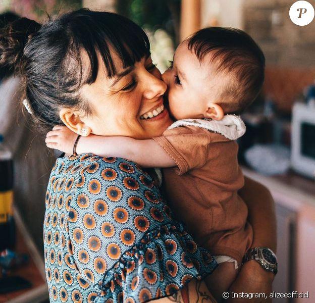 Alizée avec sa fille Maggy (6 mois).