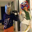"""Alessandra Sublet a publié une photo de ses enfants Alphonse et Charlie déguisés sur Instagram le 28 novembre 2020, en clin d'oeil à la finale de """"Mask Singer"""" sur TF1."""