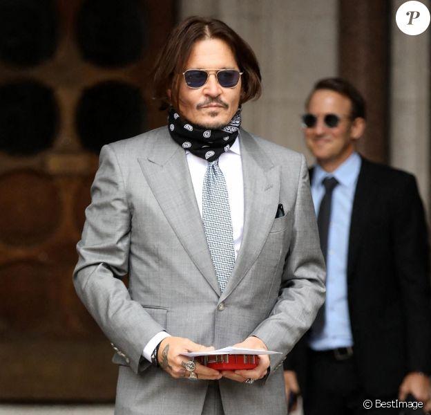 Johnny Depp arrive à la Royal Courts of Justice à Londres, été 2020.