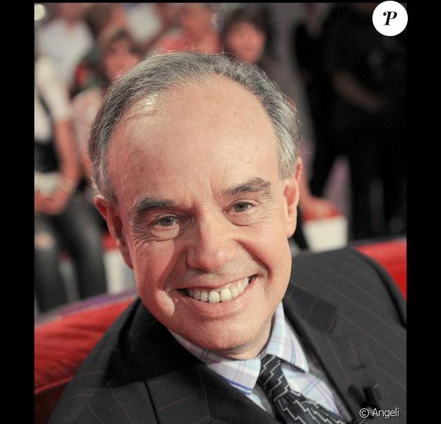 Frédéric Mitterrand à l'enregistrement de Vivement Dimanche, le 7 octobre 2009 (diffusion le 11 octobre 2009)