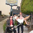 La Britannique Lily Allen et l'acteur américain David Harbour se sont mariés le 7 septembre 2020 à Las Vegas, lors d'une cérémonie prononcée par un sosie d'Elvis. Les deux filles de la chanteuse (habillée en Dior) étaient présentes. Tous ont fêté les noces autour de burgers de la chaîne In-N-Out. Le couple se fréquente depuis maintenant deux ans.