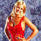 On a retrouvé Nicole Eggert, en surpoids... pour une auto-parodie d'Alerte à Malibu ! Enorme !