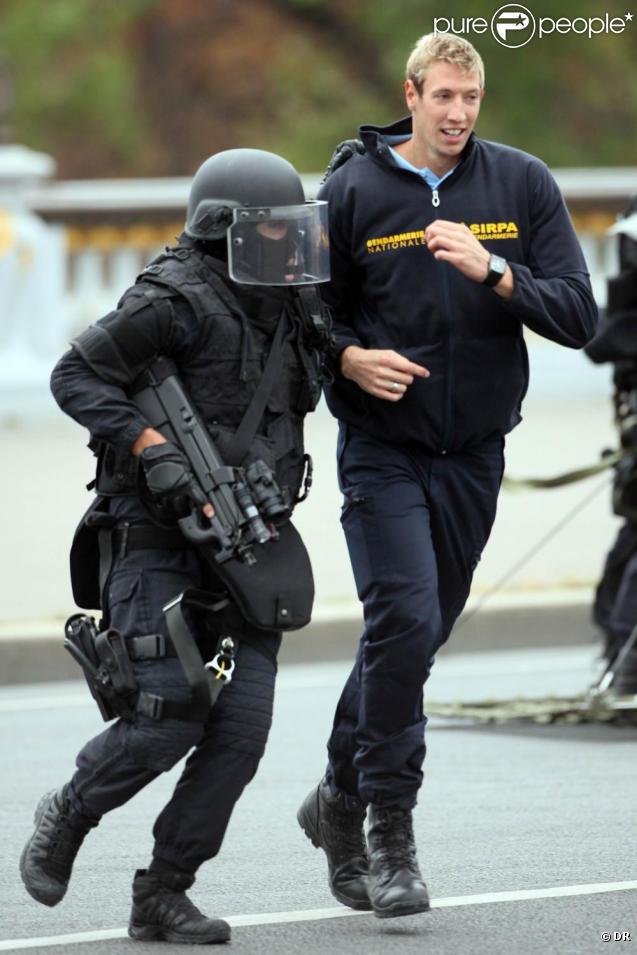 Alain Bernard est l'acteur d'une prise d'otage fictive, mise en place dans le cadre des Journées de la sécurité intérieure. 11/10/09