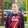 Exclusif - Amber Heard porte un t-shirt des Rolling Stones pour une sortie avec une amie à Los Feliz le 18 novembre 2020.
