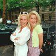 Stéphanie Ever et sa jumelle Christine Ever étaient vraiment hilarantes dans Premiers Baisers. Les deux blondinettes n'arrêtaient pas de parler en même temps. Ahlala ces jumelles...