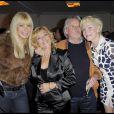 Lova Moor, Nicoletta, Claude Bouillon et Aleksandra Lorska lors du show pour les quarante ans de carrière de Nicoletta à L'Alhambra à Paris le 15 octobre 2009
