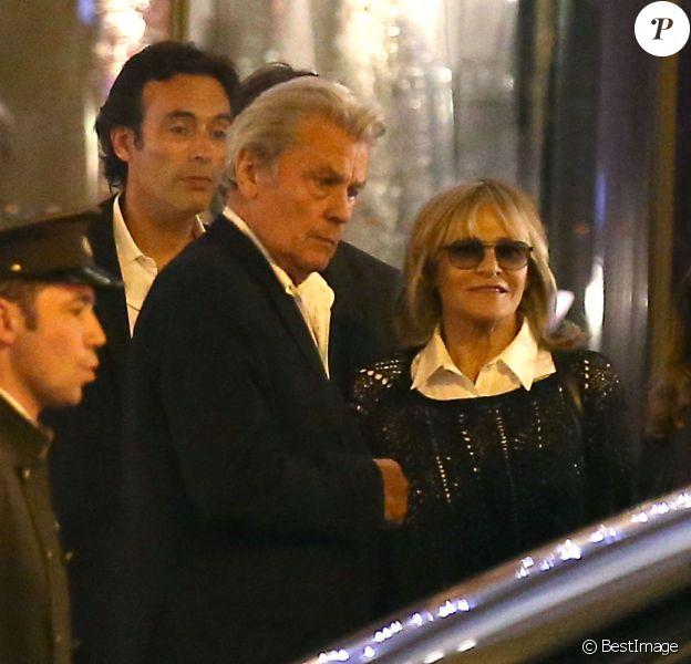 Exclusif - Anthony Delon, ses parents Alain et Nathalie Delon - Le clan Delon réuni à l'occasion des 50 ans de Anthony Delon au Mandarin Hotel, à Paris.