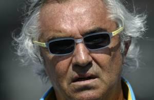 Banni de la F1, Flavio Briatore, futur papa, contre-attaque : le scandale du Crashgate est loin d'être terminé...