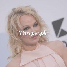 Pamela Anderson mariée : robe bleue et bottes en caoutchouc, découvrez son étonnante tenue pour le jour J