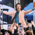 """Harry Styles en concert pour l'émission """"Today"""" au Rockefeller Center à New York, le 26 février 2020."""