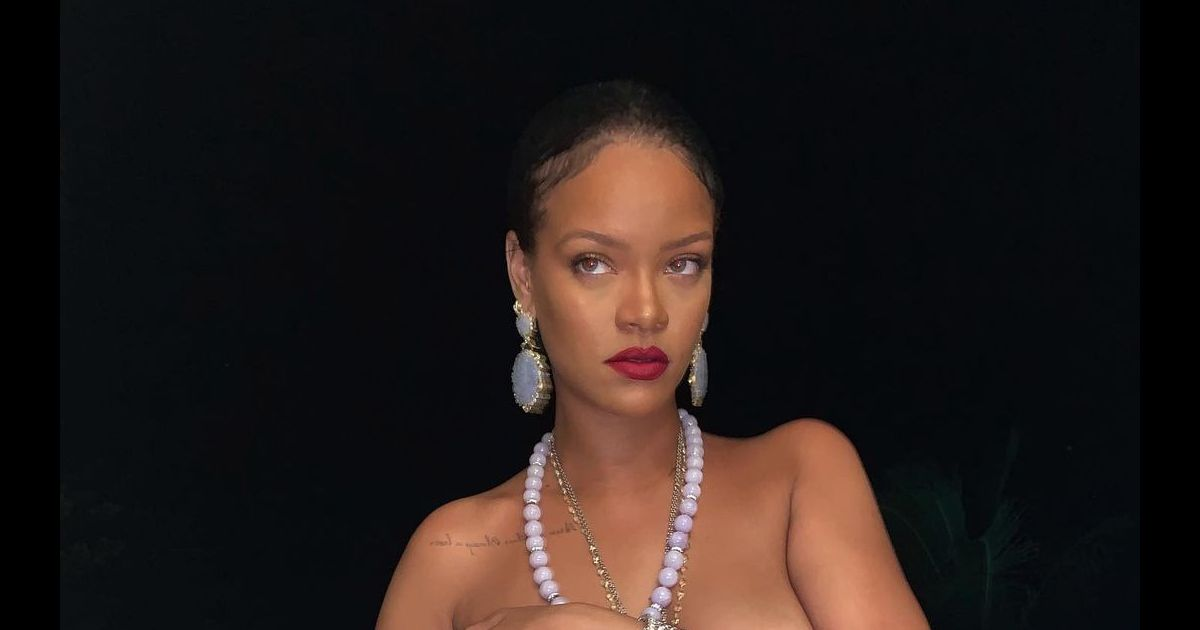 Rihanna : Sa dernière photo topless suscite l'indignation - Pure People