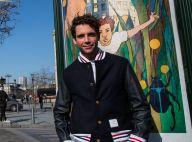Mika : Heureux de redonner vie aux rues de Paris avec ses soeurs