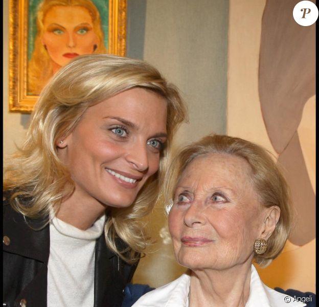 Sarah Marshall et Michèle Morgan à l'exposition Inclusions et Portraits. 13/10/09