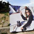 Hubert Arthaud, entouré de sa famille, des amis proches dont le navigateur, artiste, écrivain Titouan Lamazou et des marins venus de tous les ports de la méditerranée, ont rendu hommage en mer au large de l'île St Honorat à Cannes le 25 avril 2015, à la navigatrice Florence Arthaud décédée lors d'un accident d'hélicoptère en Argentine.