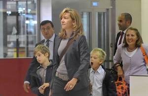 Cristina d'Espagne mène sa petite famille en expédition... tandis que sa soeur Elena sort La Robe !