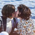 """Lady Gaga et Adam Driver s'embrassent sur le lac de Côme lors du tournage du film """"House of Gucci""""."""