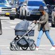 Emily Ratajkowski et son fils Sylvester Apollo Bear à New York, le 20 mars 2021.