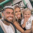 Thibault Garcia pose en famille sur les réseaux sociaux.