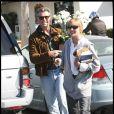 Pierce Brosnan et une amie (30 octobre 2009, Malibu)