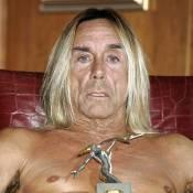 Iggy Pop honoré pour sa carrière... Il reçoit son prix à moitié nu !