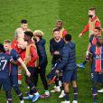 Les joueurs du Paris Saint-Germain fêtent leur qualification en demi-finale de la Ligue des Champions à l'issue du quart de finale retour face Bayern Munich, au Parc des Princes. Paris, le 13 avril 2021.