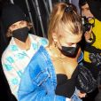 """Justin Bieber et sa femme Hailey Baldwin-Bieber quittent la soirée au restaurant """"The Nice Guy"""" à Los Angeles, le 8 avril 2021."""