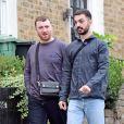Exclusif - Sam Smith et son compagnon François Rocci en balade dans les rues de Londres, le 27 août 2020.