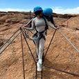 Kourtney Kardashian et Travis Barker en expédition. Avril 2021.