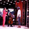Les chanteurs Imany et Tété à l'enregistrement des performances artistiques au flux streaming de la Journée des Assises de la Parité 2021, dans la grande salle des fêtes de la Mairie de Paris. Le 5 mai 2021.