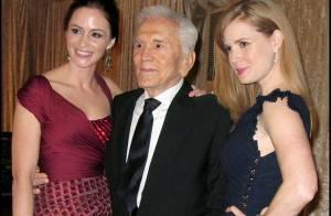 Les sublimes Amy Adams, Emily Blunt et Freida Pinto en mode séduction pour... Kirk Douglas et Benicio Del Toro !