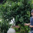Exclusif - Troian Bellisario se balade avec son mari Patrick Adams, leur bébé (en poussette) et même les deux chiens à Los Feliz le 12 novembre 2018.