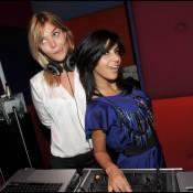 Quand Justine Fraioli et Reem Kherici s'éclatent en boîte... elles sont en mode séduction !