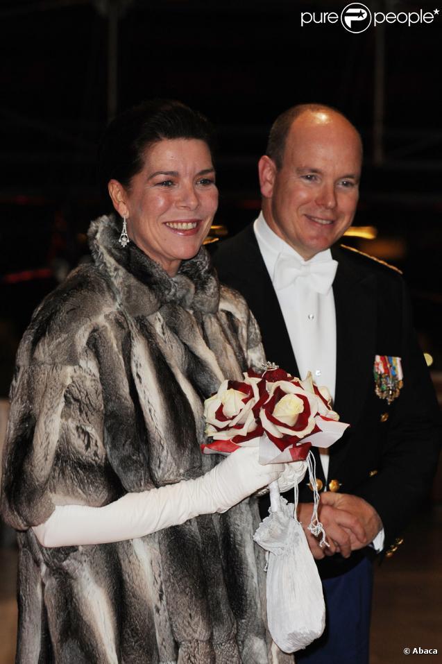 Caroline et Albert de Monaco lors des festivités du soir de la Fête nationale du 19 novembre 2009 à Monaco
