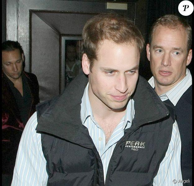 Le Prince William en sortant du Raffles à Londres, le 21/11/09