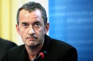 Christophe Dechavanne se prend pour Emile Zola et pousse un coup de gueule... dans Le Monde !