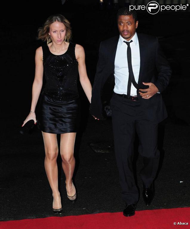Patrice Evra et sa femme Sandra, à l'occasion du dîner de gala  United for Unicef , à Old Trafford, à Manchester, en Angleterre, le 29 novembre 2009.
