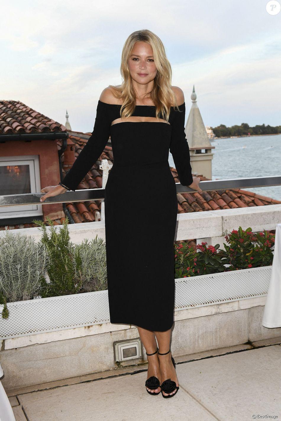 """Virginie Efira lors de la soirée organisée par le magazine """"Variety"""" lors du 78ème Festival International du Film de Venise, la Mostra."""