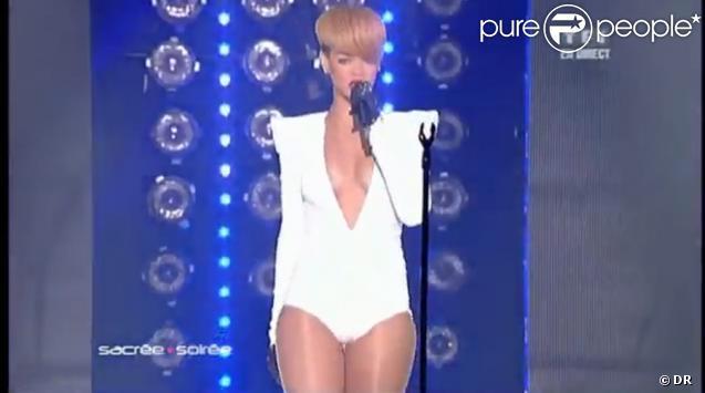 Rihanna lors de Sacrée Soirée sur TF1 le 16 décembre 2009
