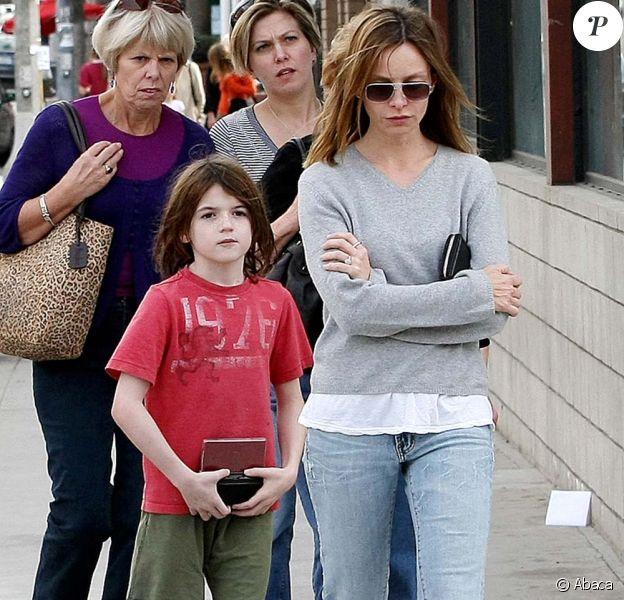 Calista Flockhart et son fils, dans les rues de Los Angeles, le 20 décembre 2009.