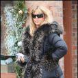 Goldie Hawn se promène à Aspen le 23 décembre 2009