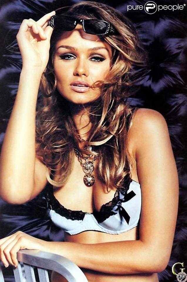 La très belle Sarah Mutch pour la marque Guess...