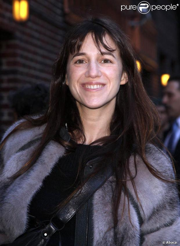 Comme sa m re jane birkin charlotte gainsbourg prend son for Dans vos airs charlotte gainsbourg