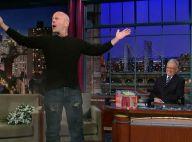 Regardez Bruce Willis faire exploser son caleçon en pleine émission de télé... C'est très chic !