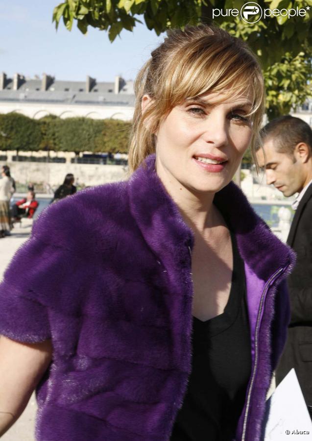Emmanuelle Seigner sort son nouvel album,  Dingue , le 8 février 2010 !