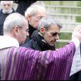 Lambert Wilson aux obsèques de son père à l'Eglise Saint-Roch à Paris (8 février 2010)